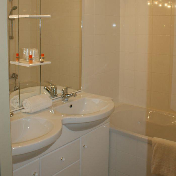 location vacances r sidence adonis valberg valberg en t. Black Bedroom Furniture Sets. Home Design Ideas